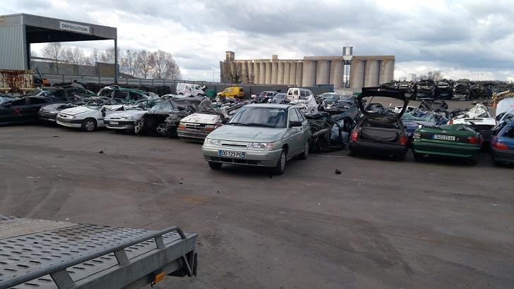 Enlevement voiture epave nantes 44 destruction voiture 44